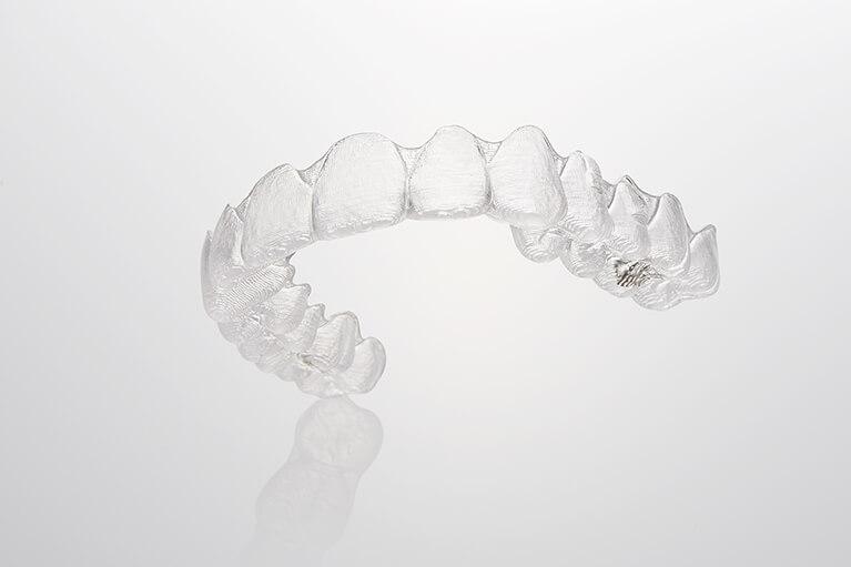 口腔内での装置の違和感も痛みもありません